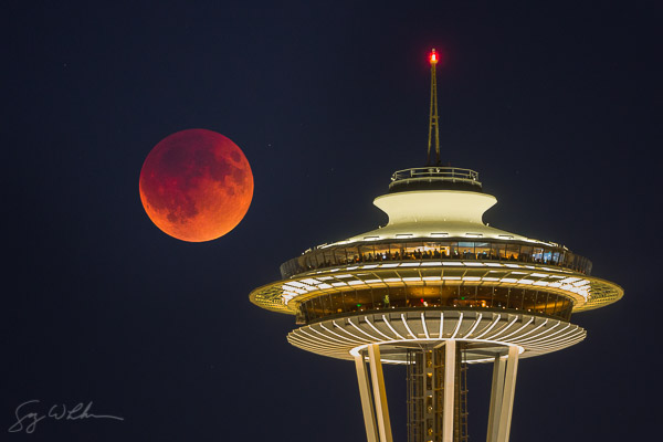 Blood Moon and Space Needle on September 27th, 2015.